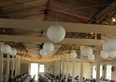 Decorations- White Japanese Lanterns (800x600)